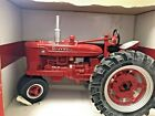 2015 ERTL 1 16 Scale Diecast Case International Farmall M Tractor Narrow Front