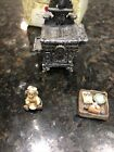 Boyds Bears Treasure Box Aunt Beckys Cast Iron Stove w/ Biscuit McNibble 1E