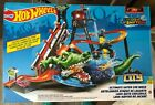 Hot Wheels Ultimate Gator Car Wash Play Set w Color Shifters Car BRAND NEW