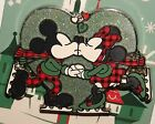 Disney 2016 Christmas Holiday Mickey  Minnie Kissing  Skating Pin NEW ON CARD