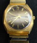 Vintage 1970s Waltham Men's Wristwatch - Two Tone Dial - Day/Date - self-winding