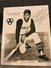 Roberto Clemente Cards, Rookie Card and Autographed Memorabilia Guide 34