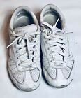 Skechers sneakers lace up womens size 9 white leather