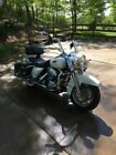 2002 Harley Davidson Touring 02 Harley Davidson Road King Clasic beauitiful pearl white Excellent condition