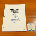 TOM HOPPER SIGNED THE UMBRELLA ACADEMY FULL PILOT SCRIPT w BECKETT BAS COA
