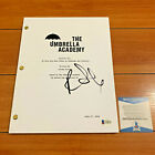 ROBBIE SHEEHAN SIGNED THE UMBRELLA ACADEMY FULL PILOT SCRIPT w BECKETT BAS COA