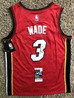 Dwyane Wade Rookie Cards and Autograph Memorabilia Buying Guide 55