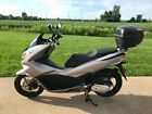 2016 Honda PCX 150 Scooter1K miles runs slightly damagedGreat deal salvage
