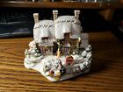 Lilliput Lane Winter Cottage The Christmas Present 2002 Special Edition L2486