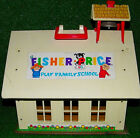 VINTAGE FISHER PRICE PLAY FAMILY SCHOOL HOUSE 923 GOOD CONDITION SHIPS FAST