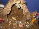Vintage Wooden Nativity Creche Stable Manger with 13 Figurines Italy 02M3
