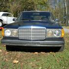 1983 Mercedes-Benz 300-Series Wagon 1983 for $3500 dollars