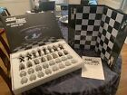 Star Trek : The Next Generation Chess Set Vintage 1999 complete in box