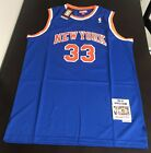 New York Knicks Collecting and Fan Guide 13