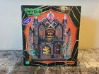 Lemax Spooky Town 2019 DOCTOR PINS & NEEDLES #95443 NRFB Lighted Village Bldg