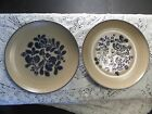 PFALTZGRAFF FOLK ART 10 INCH DINNER PLATES WITH USA AND CASTLE STAMP SET OF 2
