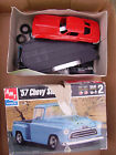 1/25 Scale Model Car and Truck Parts Lot and Maisto Trailer