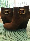 tory burch chocolate brown suede boots Size 95