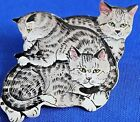 CUTE 3 CATS PLAYING LITHOGRAPHED TIN PIN/BROOCH