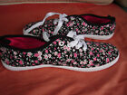 Black Flowered Casual Sneakers Womens Size 8