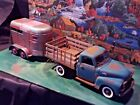 118 Scale Diecast 2 piece SetRusted 50 GMC Stake Truck  Rusted HorseTrailer