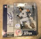 2014 McFarlane MLB Derek Jeter Commemorative Figure Two-Pack 15
