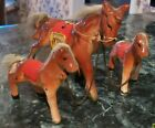 VINTAGE CERAMIC 3 HORSE AND COLTS on CHAIN Figurine Japan