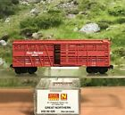N SCALE MICRO TRAINS GREAT NORTHERN 40 DESPATCH STOCK CAR WITH CATTLE PEN