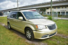 2011 Chrysler Town & Country below $5000 dollars