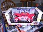 M2 MACHINES 1952 VW BEETLE DELUXE MODEL PEZ CHASE 1 OF 500 1:24 DIECAST VHTF
