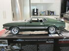 1 18 AUTOWORLD AMM1144 1973 FORD MUSTANG MACH 1 GREEN NEW