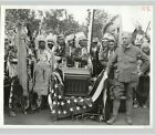 NATIVE AMERICAN INDIANS Listen To PRES WILSON On PHONOGRAPH 1913 Press Photo