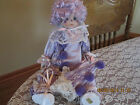BRINN'S 1986 COLLECTABLE PORCELIN MUSICAL CLOWN DOLL w/HAT IN LAVENDER 15