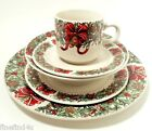 THE CELLAR HOLIDAY WREATH CHINA 1995 MACEY'S 5 PC PLACE SETING (s)  NICE ! XMAS