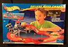 HOT WHEELS Playset Deluxe Auto Chase Set W Police Car by Mattel 2002