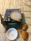 BOUTIQUE CORELLE BRUSHED YELLOW 16 PIECE DINNERWARE SET CUPS PLATES BOWLS LOT