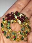 AMAZING HIGH END VINTAGE GOLD PLATED CHRISTMAS WREATH BROOCH WITH ENAMEL