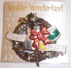 VINTAGE   MUSICAL CHRISTMAS WREATH  BROOCH PIN