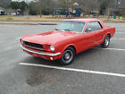 Ford : Mustang Base Red for $11000 dollars