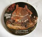 LILLIPUT LANE COTTAGE 1995 Promotional Pin Back Button GERTRUDE'S GARDEN