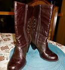 VIGOSS Womans Brown Faux Leather size 85 Rear Lace Up Mid Calf Boot Super Cute