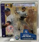 2014 McFarlane MLB Derek Jeter Commemorative Figure Two-Pack 12