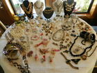 HUGE VINTAGE JEWELRY LOT RHINESTONES100+ PIECES NEARLY 1 2 ARE SIGNED NOJUNK