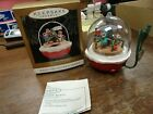 1994 HALLMARK CHRISTMAS ORNAMENT FOREST FROLICS MAGIC LIGHTS & MOTION New In Box
