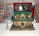 Lemax Signature Collection - Village Crossing Depot, Set of 2 BUILDINGS / #95831