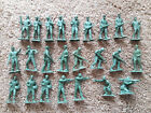 Vintage Auburn Rubber Army toy Soldiers 24 figures