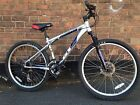 GT avalanche disc brakes bike cycle shimano gears