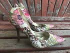 ReTRo FLoRaL 75 Pink Pointy Toe CARRIE Stilettos Heels PUMP GuESS White Pink