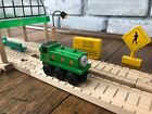 Thomas the Train DUCK engine Wooden Railway Toy Learning Curve 2003