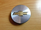 ONE 1 USED CHEV BRUSHED SILVER GOLD TEXTURED EMBLEM CENTER CAPS 9594156 PARTS